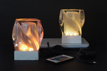 Attractive Rechargeable Cordless Table Lamp     Remote Cotrol, Multicolor